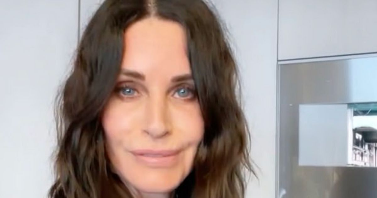 Courteney Cox Proves She Was Always Born To Play Monica In Impeccable Instagram Clip