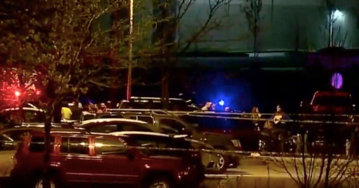 Huit morts et des blessés lors d'une fusillade dans un centre FedEx à Indianapolis