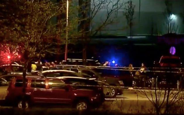 Une fusillade près d'un centre FedEx à Indianapolis fait 8