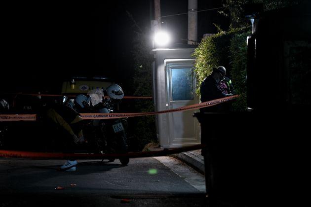 Πυροβολισμοί στο σπίτι του Μένιου