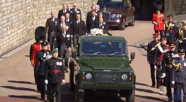 Le cercueil du prince Philip a été transporté par un Land Rover que le prince a...