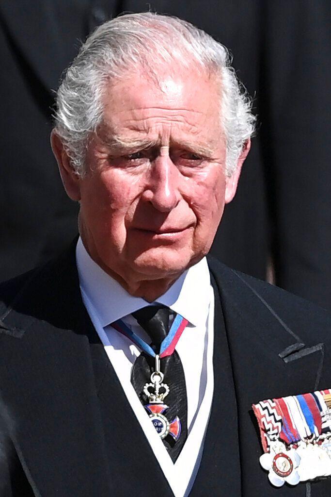 El príncipe Carlos, emocionado.