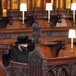 Cette photo de la reine Elizabeth II seule aux obsèques du prince Philip en a ému plus