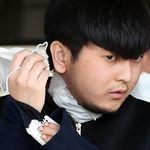 스스로 마스크 벗고 무릎 꿇어 사과한 김태현, 전문가들은 그의 심리 상태를 이렇게
