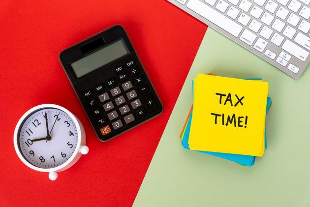 Μετά το Πάσχα οι φορολογικές δηλώσεις - Ποια η καταληκτική ημερομηνία