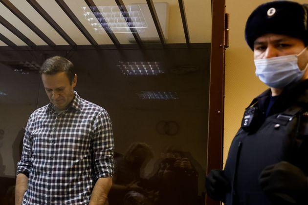 Navalny: les États-Unis promettent des conséquences sil meurt