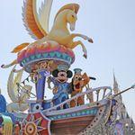 """東京ディズニーランドで「昼のパレード」が再開へ。""""コロナ禍以前""""の状況に、また一歩近づく"""