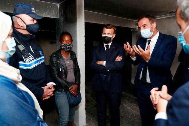 Le président Emmanuel Macron et le maire de Montpellier Michael Delafosse dans le quartier de La Mosson...