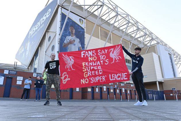 Fans Protest European Super League Outside Grounds