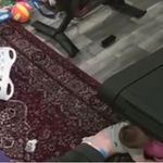 幼い子どもがランニングマシンに引きずり込まれる。相次ぐ事故を、恐怖の動画で警告