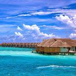 Οι Μαλδίβες θα εμβολιάζουν και τους
