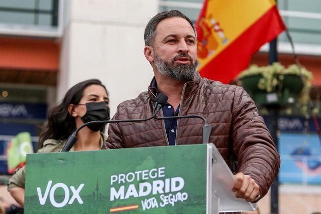 El líder de Vox, Santiago Abascal, realiza una intervención en el acto electoral del partido en Fuenlabrada,...