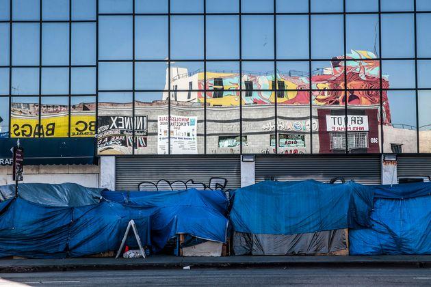 家を失った人々たちのテントが並ぶ、スキッドロウ地区(2021年4月20日撮影)