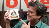 Bay City Rollers singer Les McKeown during a photocall to celebrate the release of the band's first ever career retrospective boxset, 'Rollermania: Bay City Rollers The Anthology', outside BBC Western House, central London.   (Photo by Yui Mok/PA Images via Getty Images)