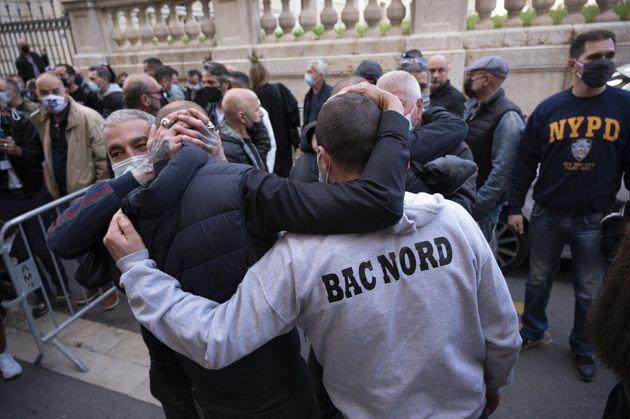 Les policiers ont manifesté leur joie ce jeudi 22 avril à l'issue du jugement rendu dans le procès de...