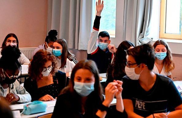 Le déploiement des autotests dans les lycées laissent ces profs plus que sceptiques (photo