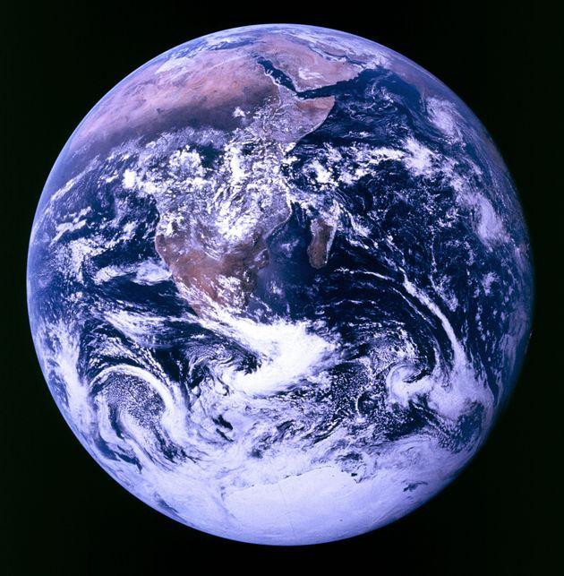 Η Γη όπως την είδαν από το...