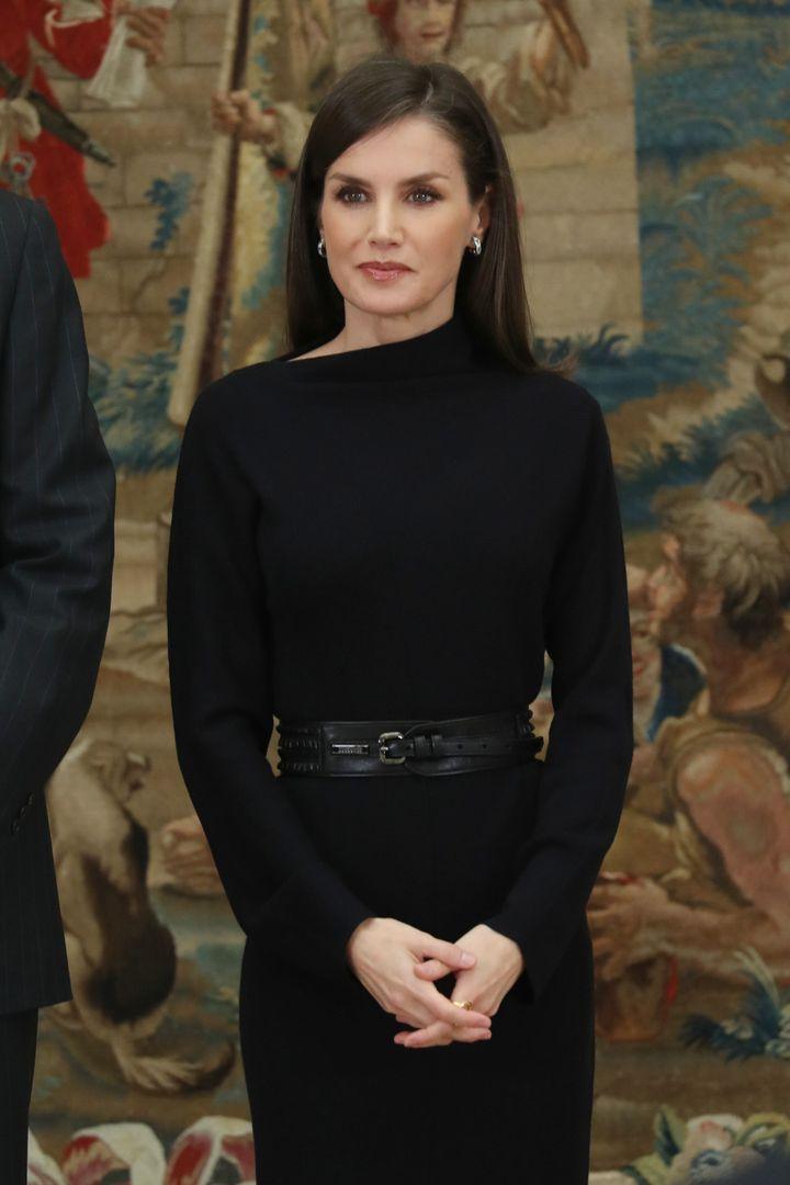 La reina, con su vestido de punto de COS