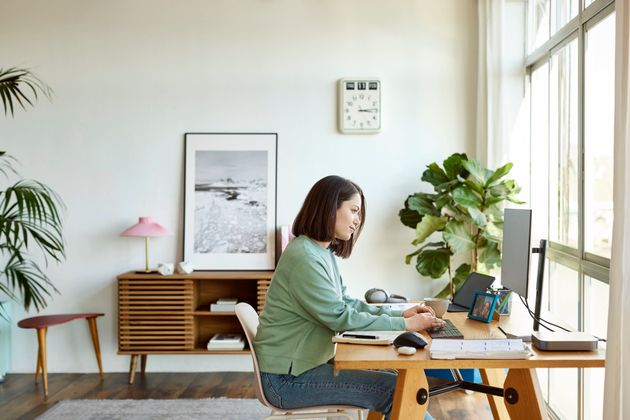 6 Things Physios Want You To Know After A Year Of Working From Home