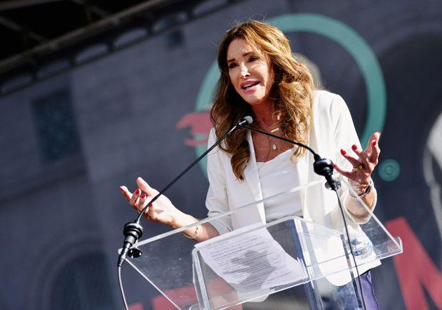 Caitlyn Jenner s'est officiellement lancée ce vendredi 23 avril dans la course au poste de gouverneure...