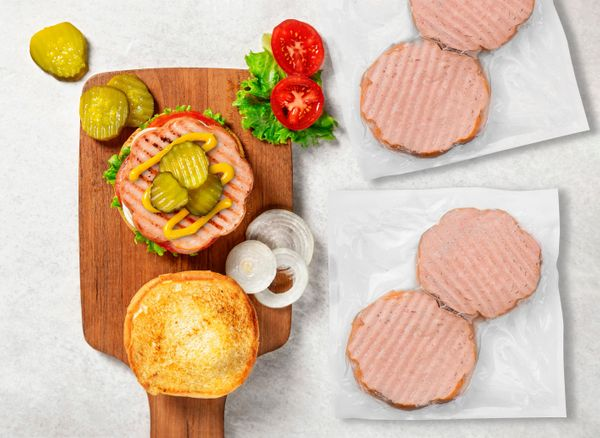 """Ever get a craving for a hot dog, but only had hamburger buns? <a href=""""https://www.qvc.com/Rastellis-%2824%29-3-oz-Round-Dog"""