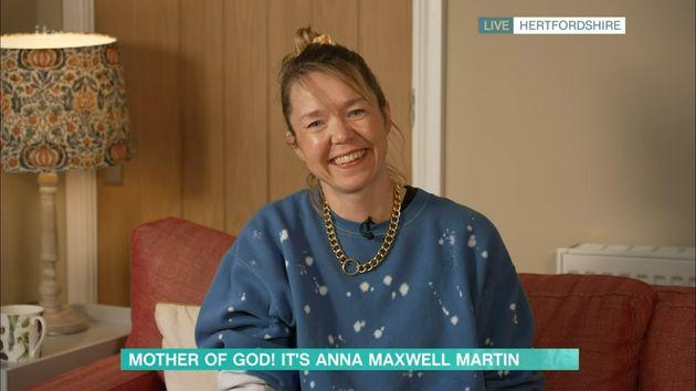 A smiley Anna made a very un-Carmichael appearance on This
