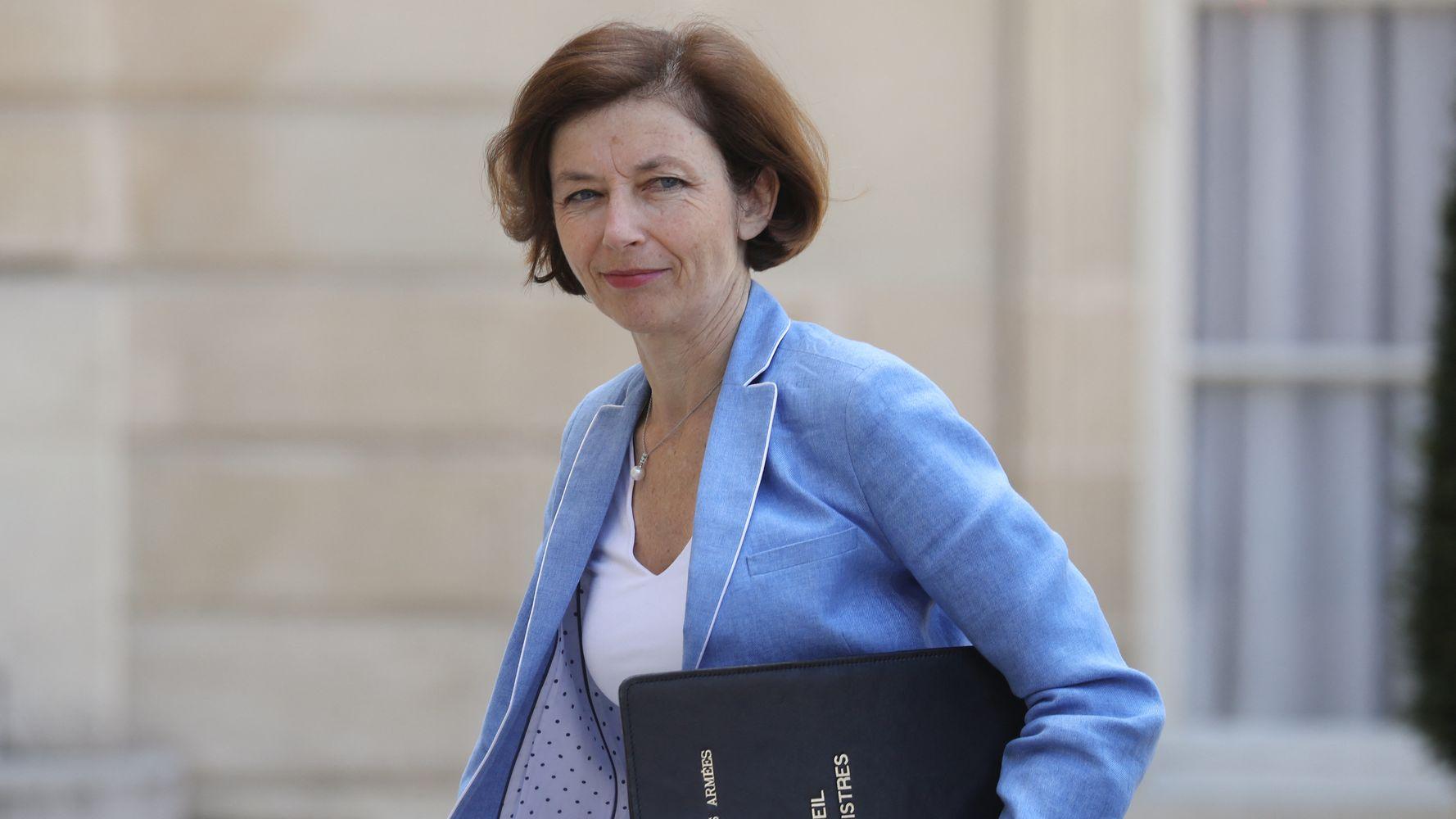 Tribune des généraux dans Valeurs Actuelles: Parly veut des sanctions, Le Pen les défend