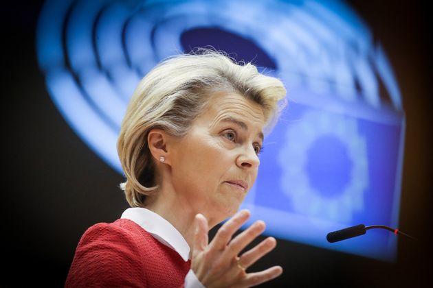 La présidente de la Commission européenne Ursula von der Leyen au parlement européen, à Bruxelles, le...