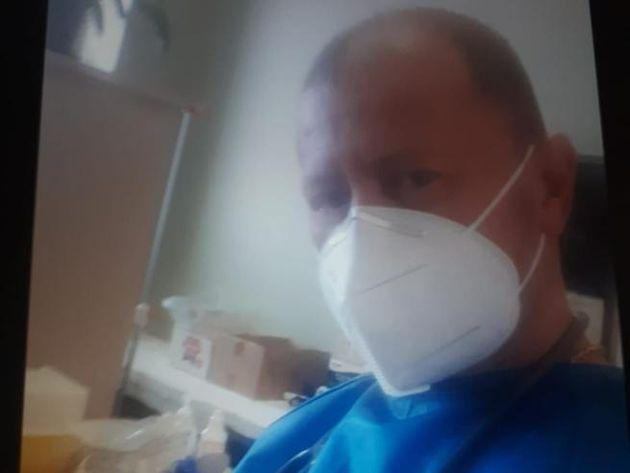 Medico nell'hub in Fiera accusato di essere no vax: 8