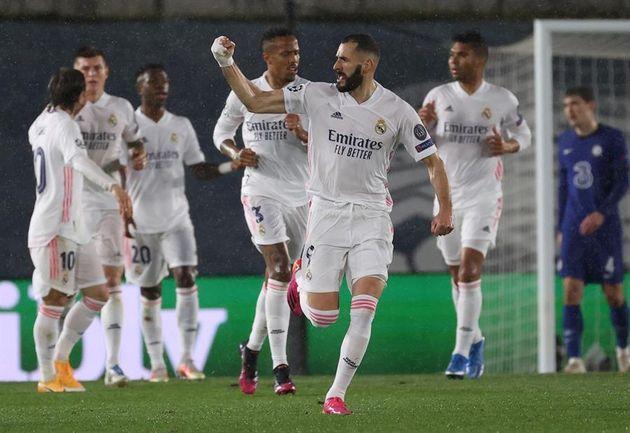 Benzema celebra el gol del