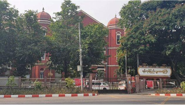 閉鎖されたヤンゴン総合病院(3月末撮影)