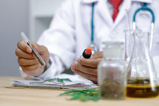 Στη Βουλή το σχέδιο νόμου για την ανάπτυξη επενδύσεων σε φαρμακευτική