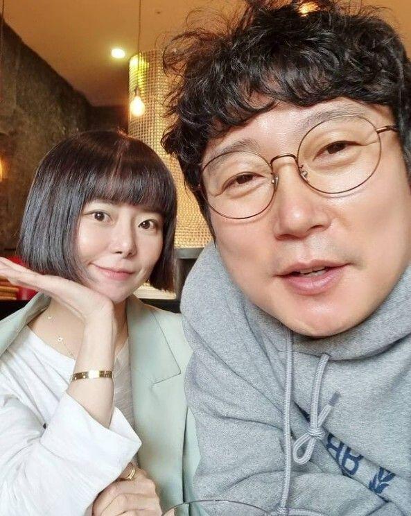 방송인 이수근과 아내