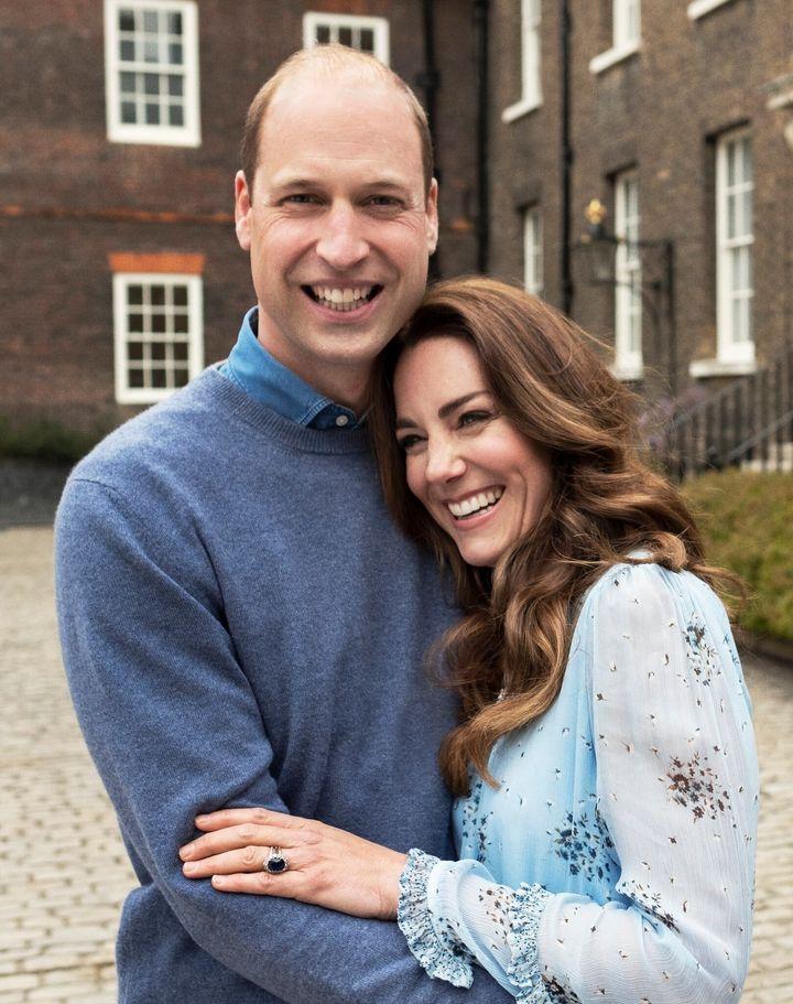 Los duques de Cambridge, fotografiados en su décimo aniversario de boda.