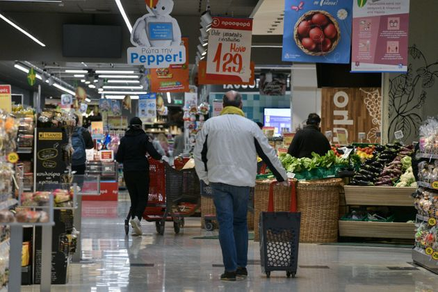 Το ωράριο που θα λειτουργήσει η αγορά Μ. Παρασκευή και Μ.