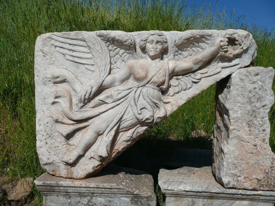 Η φτερωτη θέα Νίκη Αρχαία