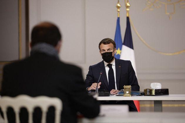 Les principales déclarations de Macron à la presse quotidienne régionale en dehors...