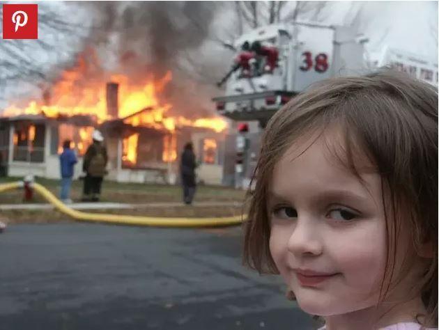 Zoë Roth lors d'un incendie dans sa rue en Caroline du Nord, en