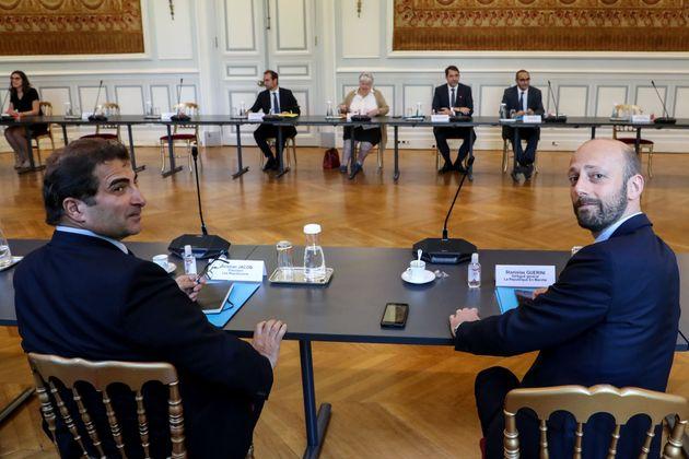 Christian Jacob (LR) et Stanislas Guerini (LREM) ensemble lors d'une réunion sur les élections...