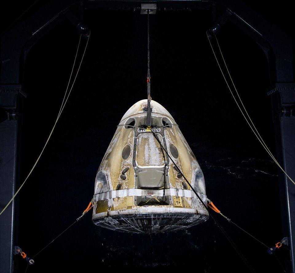 Spacex: Επιστροφή στην Γη μετά από πέντε
