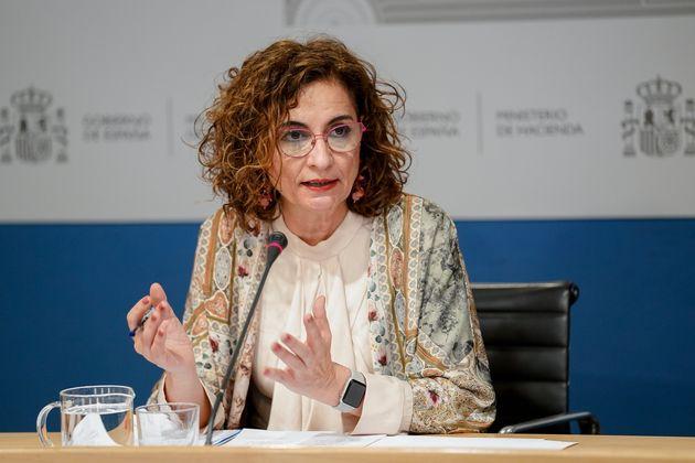 La ministra de Hacienda, María Jesús Montero, durante una rueda de
