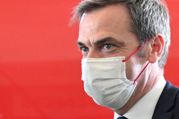 Olivier Véran visite un hôpital à Dunkerque le 24 février