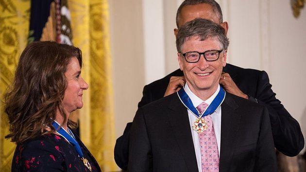 2016년에는 당시 미국 대통령이었던 오바마를 만나 대통령 훈장을