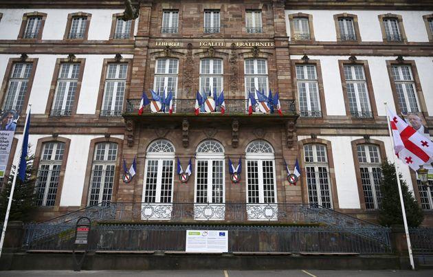 La mairie écolo de Strasbourg adopte une motion critiquée sur l'antisémitisme (La...