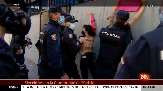 Detención de activistas de FEMEN en el colegio de Rocío