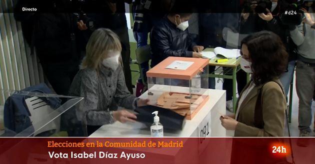 Díaz Ayuso, votando en