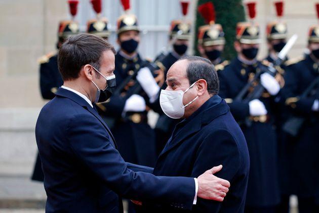 Emmanuel Macron et le président égyptien Abdel Fattah al-Sissi lors de la visite diplomatique...