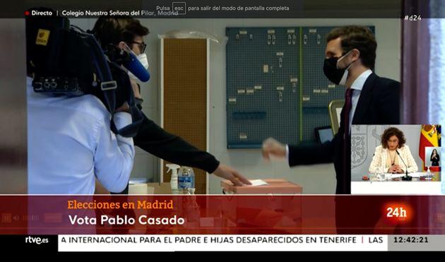 Pablo Casado, votando en Madrid