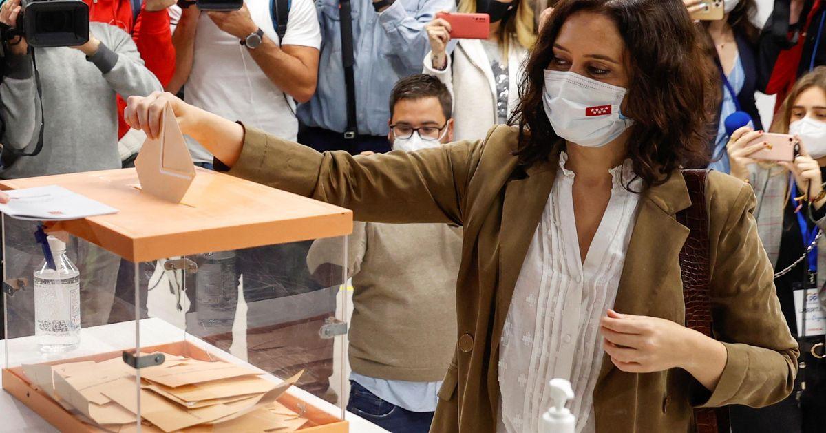 A Madrid vincono i popolari, ma avranno bisogno dell'estrema destra di Vox. Mai così male i socialisti
