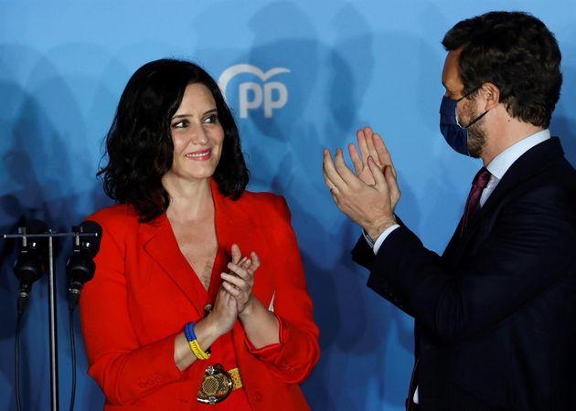 La presidenta de la Comunidad de Madrid y candidata por el Partido Popular a la reelección, Isabel Díaz...